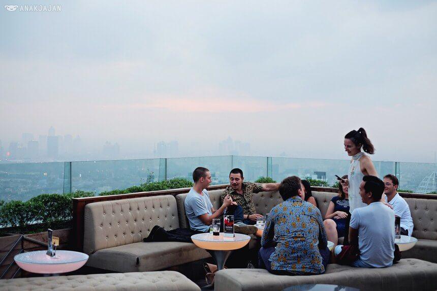 cloud restoran romantis di jakarta