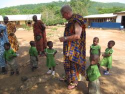Indvielse af forskolen i Akwamufie - Kurt Frandsen