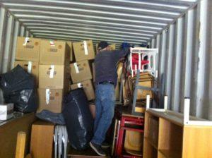 Akwamus venner pakker container nr.6 til Akwamu - Ghana