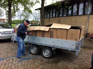 Akwamus Venner pakker til container Nr.6 - Forskoler i Akwamu
