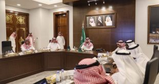 رأس الأمير عبدالله بن بندر في مقر الإمارة بجدة اليوم الإثنين اجتماعا لمناقشة سير العمل والتطورات في مشروع النقل العام (بالقطارات والحافلات) بالعاصمة المقدسة.