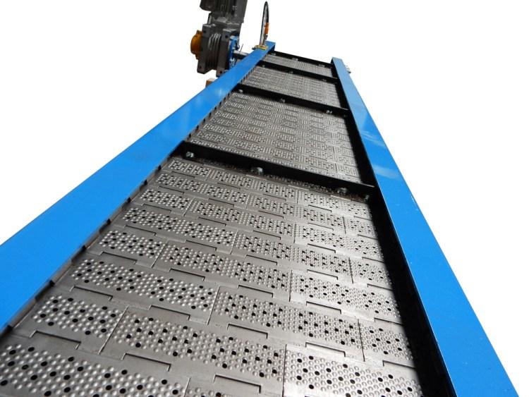 Convoyeur a tapis metallique
