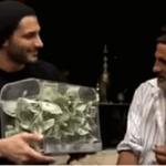 بالفيديو:ساحر سعودي يحول عجوز مصري إلى ثري
