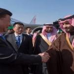 بالصور: رئيس الصين يصل إلى الرياض .. وولي ولي العهد في استقباله