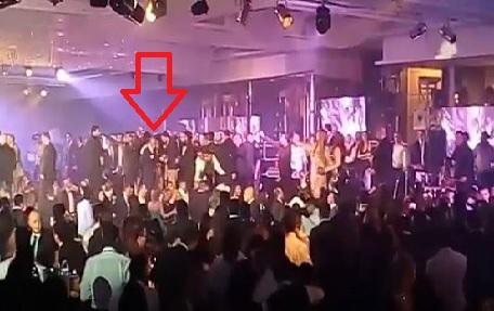 بالفيديو: مشاجرة تجبر هيفاء وهبي على الانسحاب من حفلها بالقاهرة