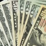 الدولار يقفز في السوق السوداء بمصر عقب تصريحات وزير الاستثمار