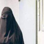 امرأة تخلع نقابها أمام محكمة ألمانية كي تربح قضيتها!-صورة