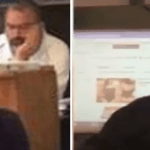 """بالفيديو: معلم يستعرض """"الملابس النسائية"""" في الفصل!"""