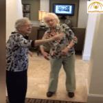 بالفيديو: مسنتان أمريكيتان تشعلان مواقع التواصل بوصلة رقص