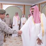 بالصور:محمد بن سلمان يستقبل كبار قادة ومسؤولي وزارة الدفاع بمناسبة عيد الفطر