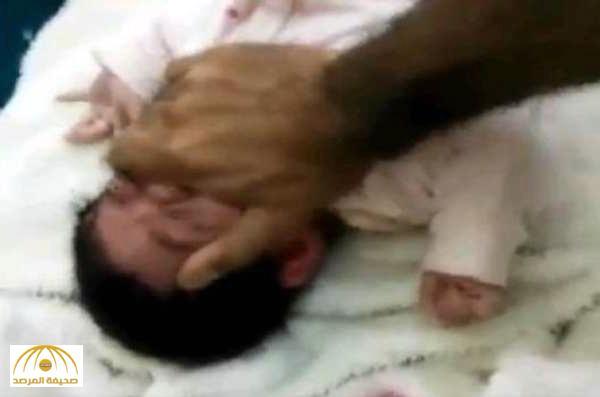 بعد استلام وزارة العمل والتنمية للطفلة المعنفة .. مصادر تؤكد القبض على الأب المتهم