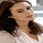 """""""ممثلة سعودية"""" تشارك نجم هوليوودي سلسلة أمازون القادمة! – فيديو"""