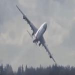 شاهد بالفيديو كيف تودع الطائرات الجديدة مصانعها!