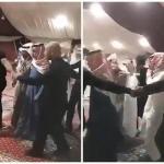 فيديو : شاهد موقف غريب .. شاعر سعودي يحيط به حراس شخصيين .. وهكذا علق المغردون!