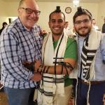شاب كويتي يدرس بجامعة أمريكية يترك الإسلام ويعتنق اليهودية ويؤدي طقوسها التلمودية