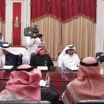 بالصور .. العواد يجتمع برؤساء الصحف الورقية لبحث الأزمة المالية