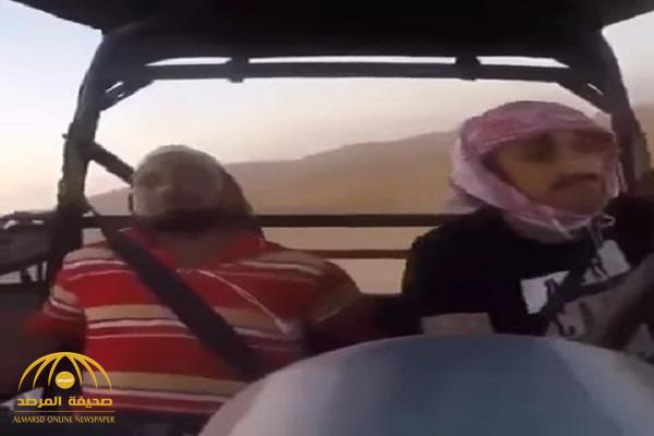 بالفيديو : شاهد كاميرا توثق لحظة انقلاب مركبة بداخلها شخصين
