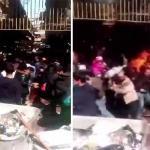 """شاهد .. بائع إيراني يشعل النار في نفسه من """"القهر"""" بعد إغلاق محله"""