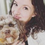 """بالصور .. كلب بملامح """"إنسان"""" يثير دهشة مواقع التواصل"""