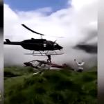 """شاهد.. لحظة تحطم """"هليكوبتر"""" ومقتل شخص أثناء محاولة إنقاذ ركاب طائرة أخرى!"""