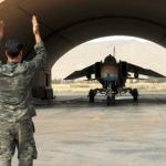 النظام السوري بدأ بإخلاء مطاراته العسكرية تحسباً للضربة الأمريكية