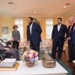 """بالصور: ولي العهد يزور  جورج بوش """"الأب والأبن"""" بمنزله في هيوستن"""