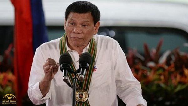 قبلة لسيدة متزوجة تهدد مستقبل الرئيس الفلبيني