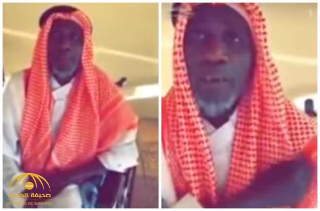 """عبر عن حبه لناديه الذي يجري في دمه .. شاهد: لحظة زيارة """"المالكي"""" للاعب النصر السابق في دار المسنين!"""