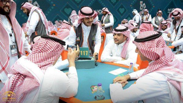 شاهد بالصور ..  الجولة  الثانية من المنافسة على بطولة المملكة الثانية للبلوت بالرياض