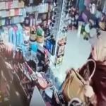 """شاهد .. امرأة  """"محجبة"""" تسرق محل أدوات تجميل بطريقة مخادعة!"""