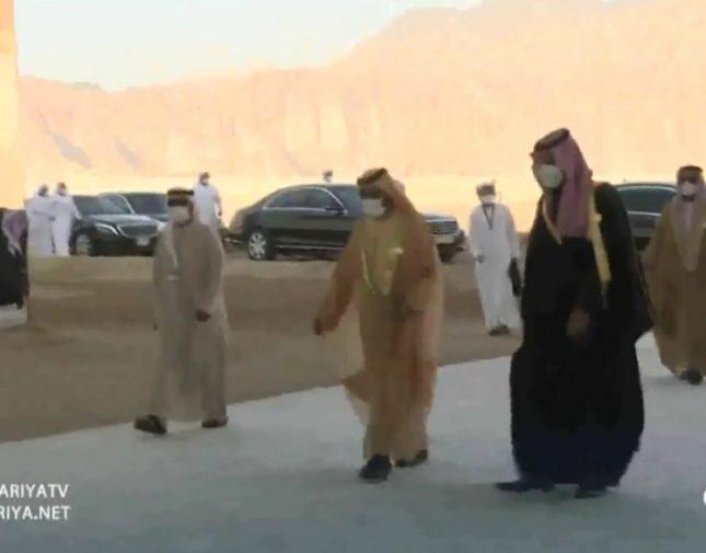  بالفيديو.. قادة ورؤساء دول الخليج يصلون إلى قاعة مرايا لبدء انقعاد القمة