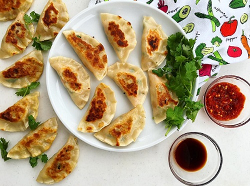 pan-fried chicken dumplings