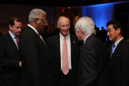 Alabama Gov. Robert Bentley (c) welcomes delegations to the Southeast U.S./Japan Association Joint Conference hosted this year in Birmingham. He's joined by Birmingham Mayor William Bell ( 2nd left).