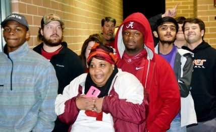 Shoppers wait in line at Academy in Hoover. (Solomon Crenshaw Jr./Alabama NewsCenter)
