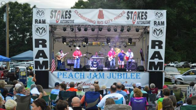 Peach Jam Jubilee draws crowds by the thousands to Clanton