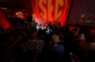 Alabama tight end O.J. Howard talks to the media at SEC Media Days. (Robert Sutton/UA Athletics)
