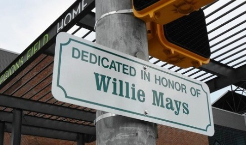 Two blocks of First Avenue South in Birmingham are newly dedicated to baseball great Willie Mays. (Solomon Crenshaw Jr./Alabama NewsCenter)