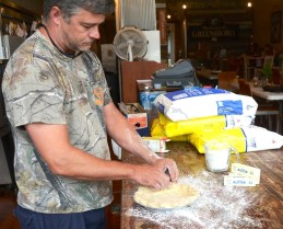 Seaborn Whatley makes a pie in Pie Lab. (Karim Shamsi-Basha / Alabama NewsCenter)