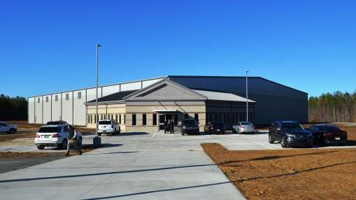 The new 53,000-square-foot spec building in Jasper Industrial Park. (Michael Tomberlin / Alabama NewsCenter)