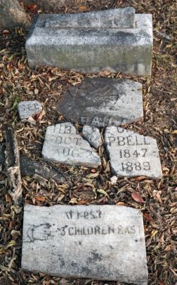 10) Gravestone at the Willstown Mission Cemetery. (Erin Harney/Alabama NewsCenter)