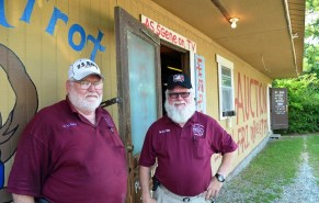 Possum Trot Auction owners Jack Burdeshaw and Joe Watson. (Anne Kristoff/Alabama NewsCenter)