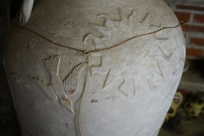 A Miller's Pottery creation. (Mark Sandlin / Alabama NewsCenter)