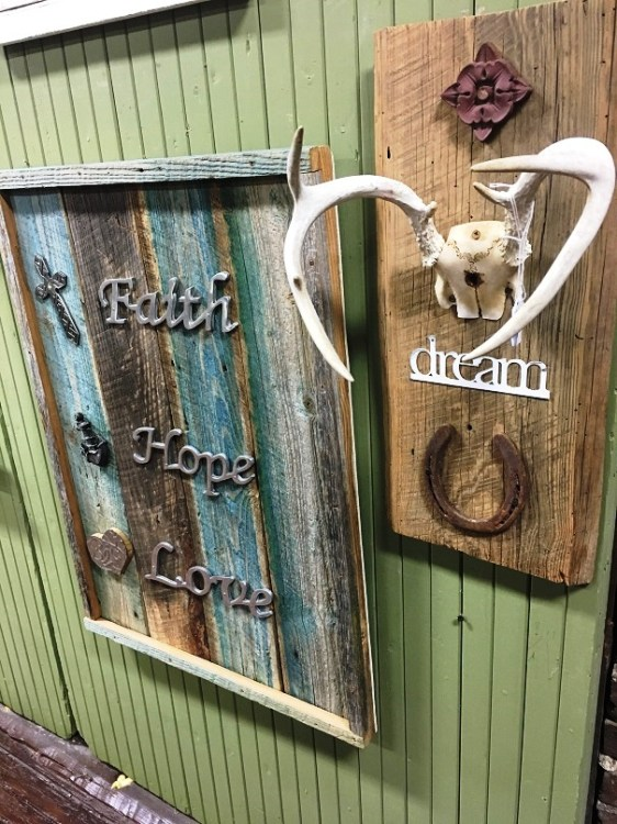 Crosses and inspirational messages are at the heart of many of G and G Barnwood and Other Creations' works. (Brittany Faush-Johnson / Alabama NewsCenter)