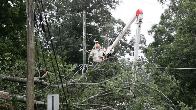 Alabama Power busy helping neighbors in Georgia after massive Irma outages