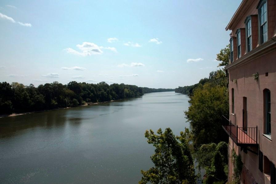 The Alabama River flows behind Organpi Farms Farmhouse in downtown Selma. (Brittany Faush/Alabama NewsCenter)