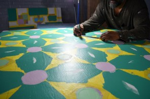 Farwell works on a quilt square. (Anne Kristoff/Alabama NewsCenter)