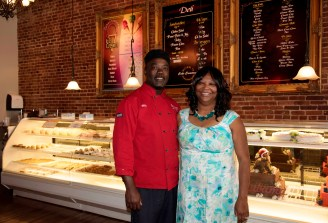 Otis and Jan Bates in their new Bessemer storefront for Cake Creations. (Alabama NewsCenter)