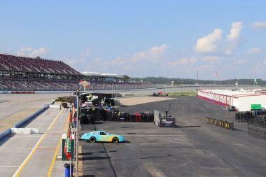 Final preparations before the races begin. (Dennis Washington/Alabama NewsCenter)
