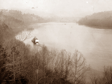 A sternwheel steamboat travels on the Coosa River in this nineteenth-century image. (From Encyclopedia of Alabama, courtesy of Birmingham Public Library Archives)