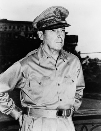 Portrait of Gen. Douglas Macarthur, August 1945. (Photograph taken by the U.S. Army in Manila, Philippine Islands, Library of Congress Prints and Photographs Division)